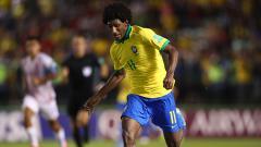 Indosport - AC Milan siap perang terbuka dengan Barcelona dan Liverpool demi mendapat jasa wonderkid Brasil Talles Magno, yang saat ini berseragam Vasco da Gama.