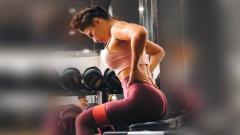 Indosport - Aktris cantik, Yulia Baltschun punya tips untuk memperindah bentuk bokong. Tips tersebut dibagikan oleh Yulia melalui sebuah postingan di media sosial Instagram