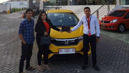 Mantan pemain Persebaya, Satrio Syam, diketahui menggeluti profesi baru sebagai marketing otomotif. - INDOSPORT