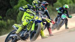 Indosport - Pembalap MotoGP Valentino Rossi mulai memacu lagi motornya.