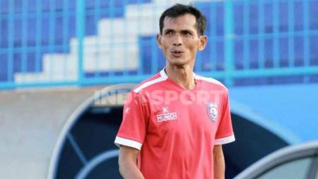Arema FC memanggil kembali Siswantoro untuk mengisi posisi asisten pelatih. - INDOSPORT