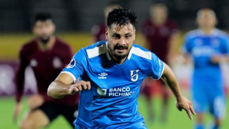 Salah satu pemain Uruguay Guillermo de los Santos diketahui kini bersinar di Ekuador pasca gagal berlabuh ke klub Liga 1 2020 Arema FC. - INDOSPORT