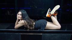 Indosport - Mengintip serunya DJ asal Indonesia, Derina Derin, melakukan olahraga renang di Pulau Dewata