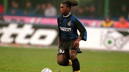 Clarence Seedorf menjadi salah satu dari 6 penjualan blunder dalam sejarah Inter Milan. - INDOSPORT