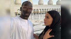 Indosport - Majda Sakho, istri Mamadou Sakho, mengunggah foto cantiknya menggunakan abaya.
