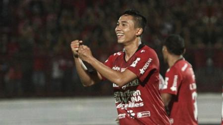 Bek sayap kiri Bali United Ricky Fajrin Saputra. - INDOSPORT