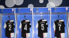 Indosport - Berikut ini ada 2 klub sepak bola dunia yang hadirkan jersey nuansa islami meski dari kawasan non-Arab. Tim mana saja kira-kira?