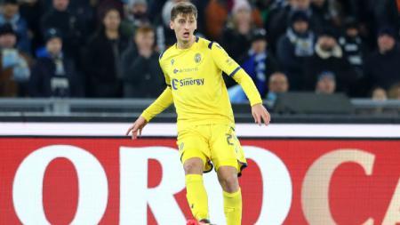 Klub Serie A Lazio tinggal selangkah lagi mendapatkan bek tengah Hellas Verona, Marash Kumbulla, yang sebelumnya disebut menjadi incaran utama Inter Milan. - INDOSPORT