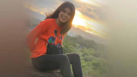 Layaknya di Eropa, sosok WAGS para pesepak bola Indonesia pun mulai populer, seperti yang terjadi pada Shella Pricilia, kekasih Osvaldo Haay. - INDOSPORT