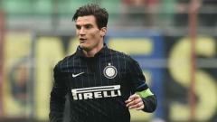 Indosport - Marco Andreolli merupakan salah satu jebolan atau produk akademi Inter Milan yang bisa dibajak klub Liga 1.
