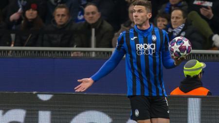 Raksasa LaLiga Spanyol, Barcelona, dikabarkan tengah mempertimbangkan untuk merekrut pemain bintang Atalanta, Robin Gosens. - INDOSPORT