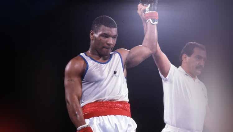 Legenda kelas berat Mike Tyson dilatih oleh Atlas sebagai petinju amatir. Copyright: Gettyimages