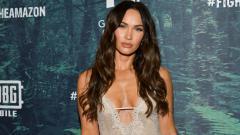 Indosport - Megan Fox mengaku tak bisa lupa momen pemotretan pakaian dalam bersama Ronaldo.