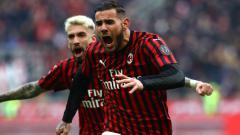 Indosport - Mantan pemain Real Madrid, Theo Hernandez berselebrasi usai mencetak gol untuk AC Milan.