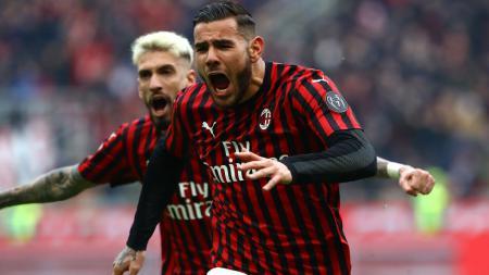 Mantan pemain Real Madrid, Theo Hernandez berselebrasi usai mencetak gol untuk AC Milan. - INDOSPORT