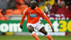 Indosport - Lomana LuaLua, eks pemain Newcastle United.