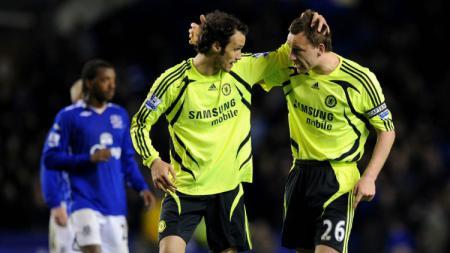Bek legendaris Chelsea, John Terry dan Ricardo Carvalho. - INDOSPORT