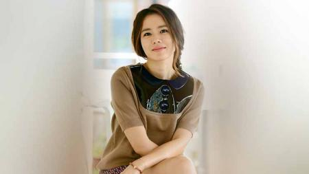 Bintang drama korea Crash Landing on You, Son Yen-jin gemar lakukan senam pilates demi mendapatkan kebugaran dan body goals. - INDOSPORT