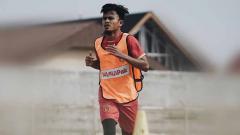 Indosport - Pemain klub Liga 2 2020 Badak Lampung FC, Wiganda Pradika, mengaku rindu akan kue lebaran buatan sang ibu, khususnya kue nastar.
