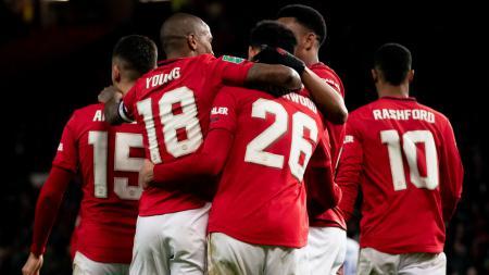 Eks staf Manchester United mengenang momen lucu di mana Sir Alex Ferguson dan skuat utamanya harus mandi kotoran manusia. - INDOSPORT
