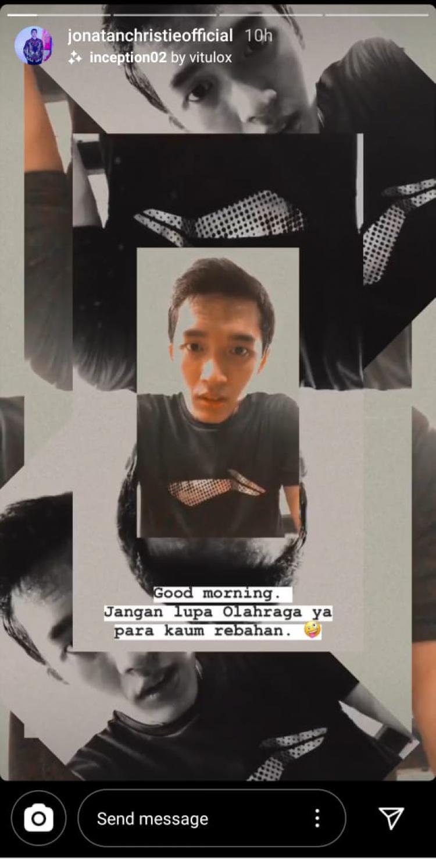 Pebulutangkis tunggal putra andalan Indonesia, Jonatan Christie, mengajak masyarakat Tanah Air untuk berolahraga. Copyright: Instagram Jonatan Christie