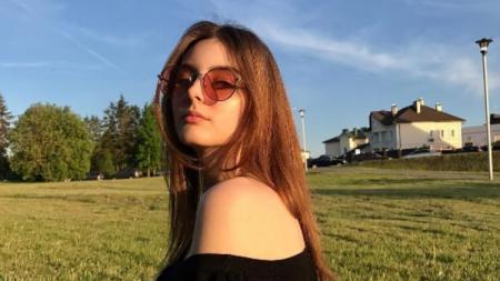 Marina Bondarko, model asal Belarusia. - INDOSPORT