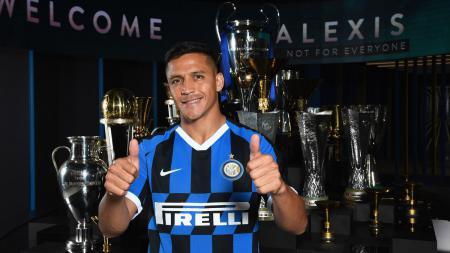 Inter Milan mencoba membujuk Manchester United untuk memperpanjang masa pinjaman Alexis Sanchez di Giuseppe Meazza sampai akhir musim. - INDOSPORT