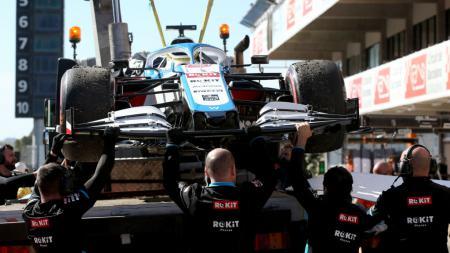 Mobil F1 dari Tim Williams milik Nicholas Latifi yang mengalami kendala ban saat test di Barcelona, Februari 2020 lalu. - INDOSPORT