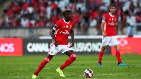 AC Milan kembali mendekati gelandang buruan Ralf Rangnick, Florentino Luis, setelah kepindahan Tiemoue Bakayoko dari Chelsea menemui kendala. - INDOSPORT