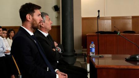 Demi jawab masa depan Lionel Messi di raksasa LaLiga Spanyol, Barcelona, sang ayah bernama Jorge Messi langsung temui Joan Laporta. - INDOSPORT