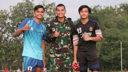 Baru-baru ini terjadi reuni kecil para kiper alumni Diklat Salatiga, Jawa Tengah, yang salah satunya adalah kiper Timnas Indonesia, Ravi Murdianto. - INDOSPORT