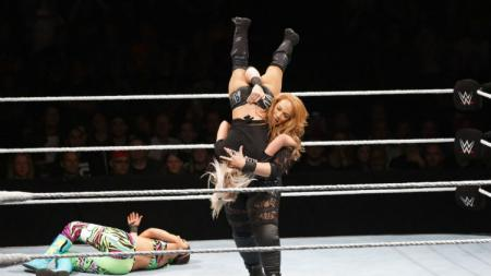Pegulat wanita WWE, Nia Jax. - INDOSPORT
