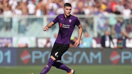 Presiden Fiorentina, Rocco Commisso telah mengisyaratkan bahwa dua pemain yang menjadi incaran AC Milan, Federico Chiesa dan Nikola Milenkovic hengkang. - INDOSPORT