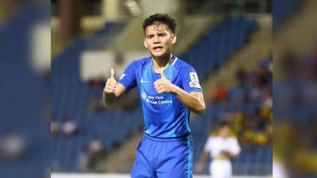 Pemain keturunan Indonesia, Stefan Antonic mencetak gol dramatis bersama KC Southern FC dalam ajang Sapling Cup di Hong Kong, Minggu (15/11/2020). - INDOSPORT