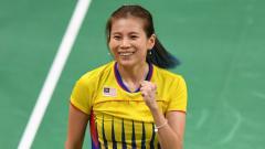 Indosport - Ada kisah bagaimana 3 wakil Indonesia hempaskan ratu bulutangkis Malaysia Goh Liu Ying dalam turnamen tepok bulu internasional.