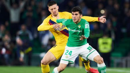 Pemain Barcelona, Clement Lenglet (kuning), masuk radar AC Milan. - INDOSPORT