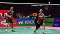 Indosport - Melihat lagi momen ketika legenda China berdarah Indonesia, Fu Haifeng, jadi bulan-bulan dari pebulutangkis ganda putra peringkat satu dunia, Kevin Sanjaya.
