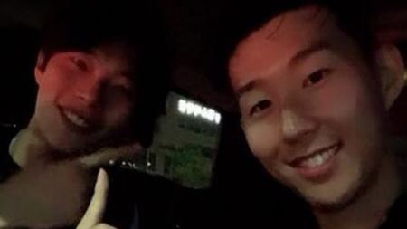 Tak disangka-sangka, ternyata aktor Korea Selatan, Ryu Jun-yeol pernah mendapatkan hadiah spesial dari pesepakbola legendaris negeri Ginseng, Park Ji-sung. - INDOSPORT