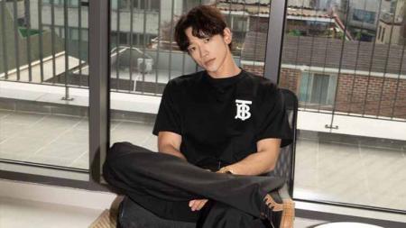 Aktor tampan Korea Selatan, Rain, pernah tampil duet bersama penyanyi top Christina Aguilera, di sebuah iklan Piala Dunia 2006. - INDOSPORT