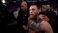 Indosport - Mantan petarung UFC Conor McGregor turut memberikan reaksi usai tahu ayah Khabib Nurmagomedov meninggal dunia, Jumat (03/07/20) waktu setempat.