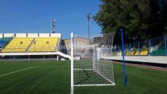 Indosport - Gawang dan jaring Stadion Citarum tetap dirawat dan dibersihkan secara berkala walaupun tidak ada aktivitas latihan.