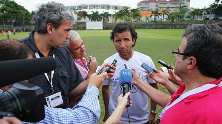 Luis Milla, calon pelatih baru Persija Jakarta. - INDOSPORT