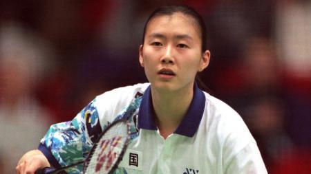 Intip kisah legenda bulutangkis China Ye Zhaoying yang sulit tekuk tungga putri Tanah Air Susy Susanti saat tanding di Indonesia. - INDOSPORT