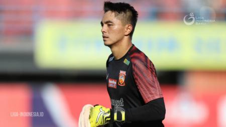 Kiper muda klub Liga 1 Borneo FC, Gianluca Pandeynuwu, berbagi cerita mengenai perjalanan kariernya hinga menjadi pemain profesional. - INDOSPORT