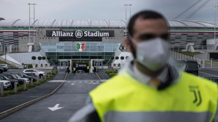 Allianz Stadium dijaga ketat jelang semifinal Coppa Italia Juventus vs AC Milan - INDOSPORT