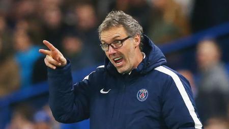 Pelatih sepak bola yang melamar ke AC Milan Laurent Blanc ternyata hampir bawa Paris Saint-Germain (PSG) hadapi tim dari Indonesia. - INDOSPORT