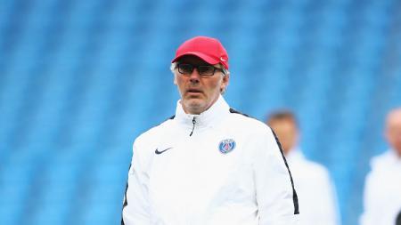 Laurent Blanc saat masih menjadi pelatih Paris Saint-Germain (PSG). - INDOSPORT