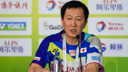 Kepala Pelatih Timnas Bulutangkis Jepang, Park Joo-bong mengaku tetap memantau aktivitas kegiatan tim bulutangkis China dan Indonesia selama kompetisi hiatus. - INDOSPORT