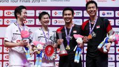 Indosport - Media China, Sports Sina, menyebut persaingan antara dua pasangan Indonesia, Kevin Sanjaya/Marcus Gideon, Mohammad Ahsan/Hendra Setiawan dengan wakil Jepang, Hiroyuki Endo/Yuta Watanabe aneh.