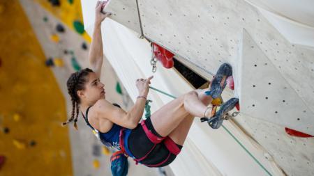 Atlet panjat tebing asal Prancis, Luce Douady. - INDOSPORT